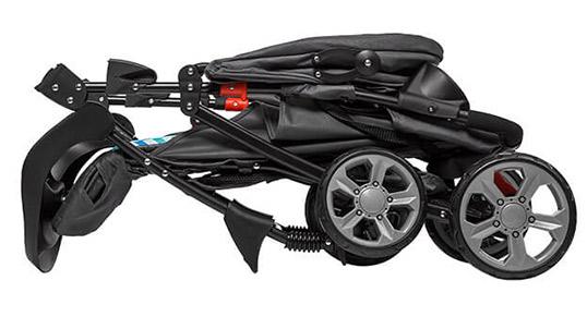 złożony wózek spacerowy